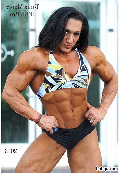 hot girl with muscular body and toned biceps post from reddit