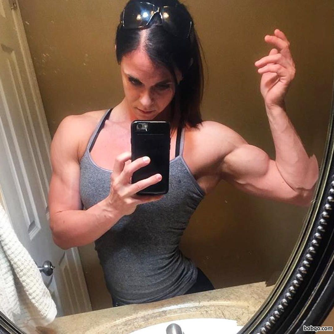 perfect girl with strong body and toned arms photo from reddit