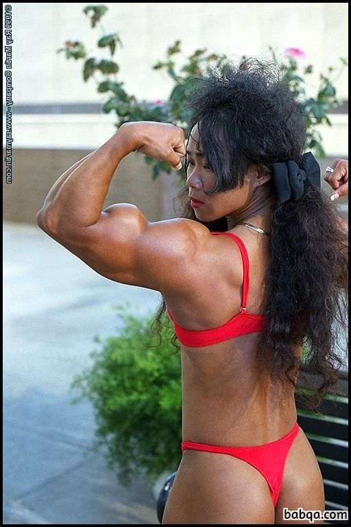 perfect girl with muscle body and toned legs image from g+