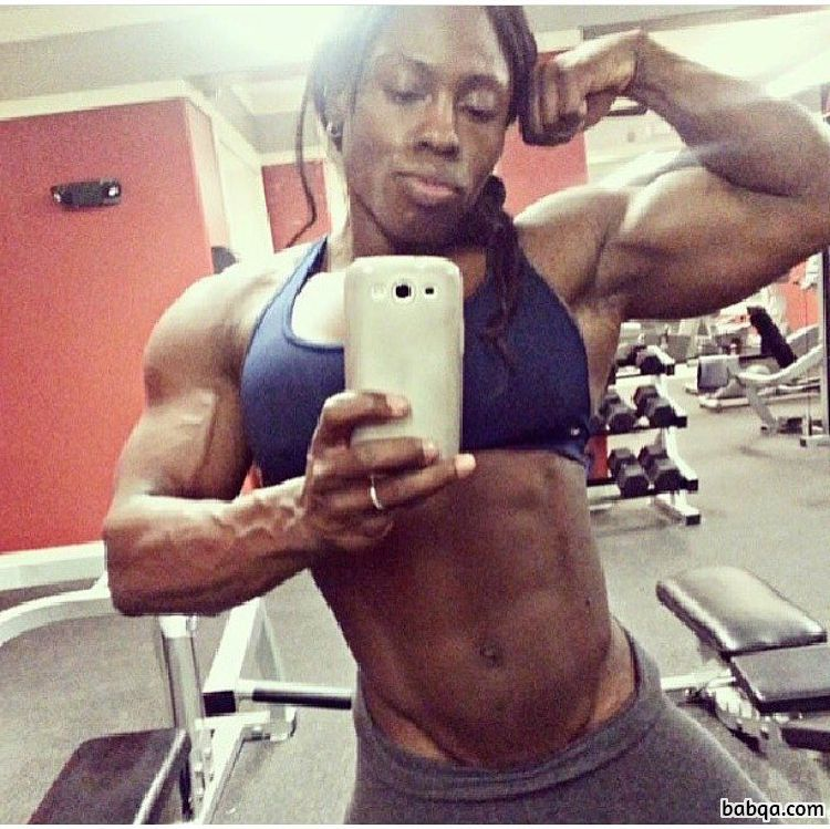 cute female bodybuilder with strong body and muscle legs pic from instagram