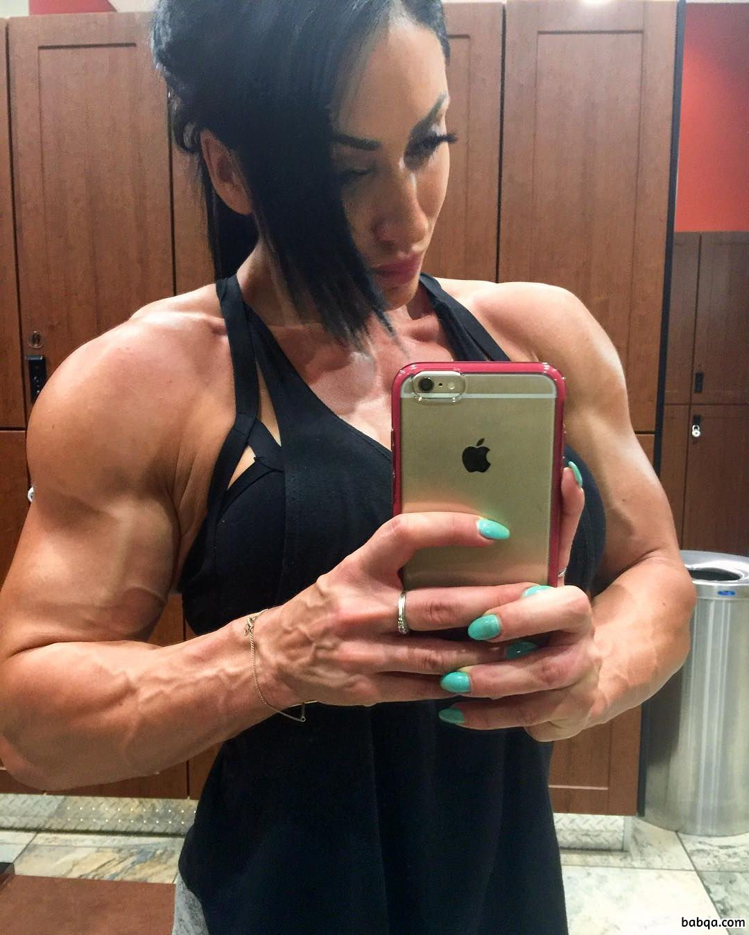 perfect girl with muscle body and toned arms image from facebook