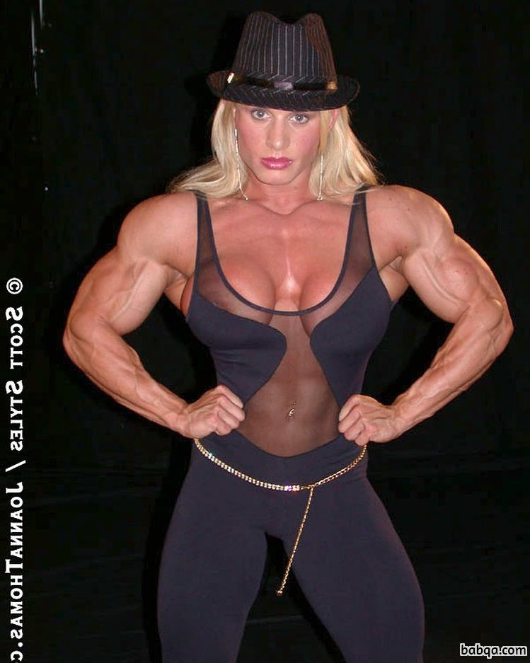 beautiful woman with muscular body and muscle bottom post from facebook
