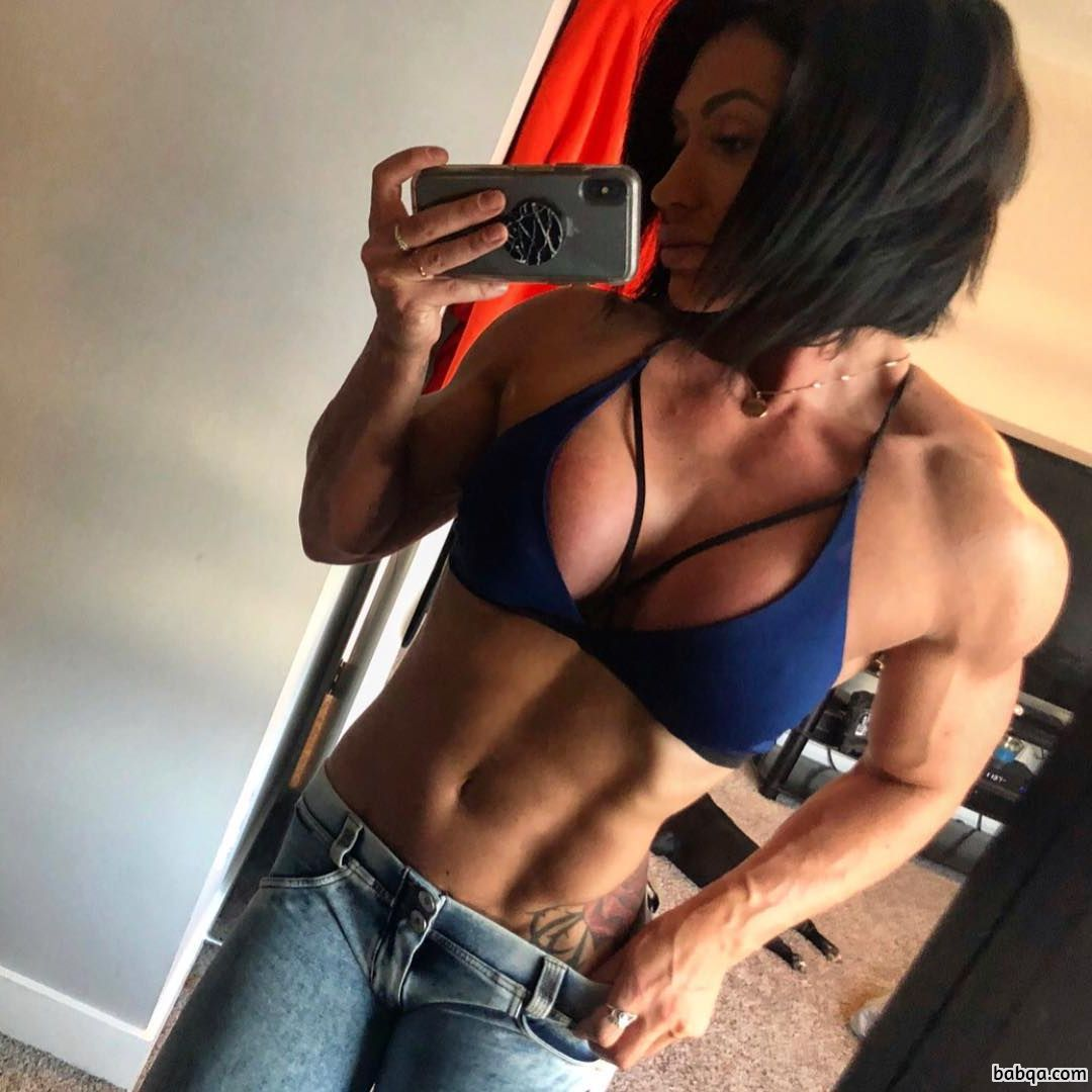hottest lady with strong body and muscle legs post from g+