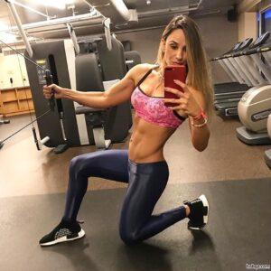 hottest woman with strong body and toned booty pic from g+