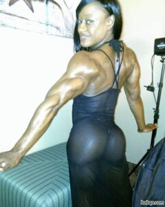 perfect lady with muscle body and muscle legs photo from instagram