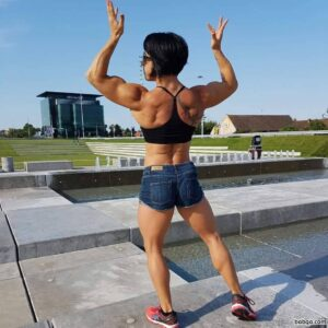 spicy chick with strong body and toned biceps picture from reddit