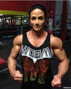 perfect female bodybuilder with strong body and toned bottom picture from facebook