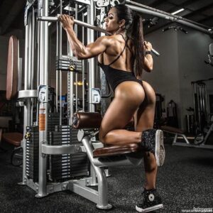 beautiful female bodybuilder with fitness body and toned bottom picture from g+