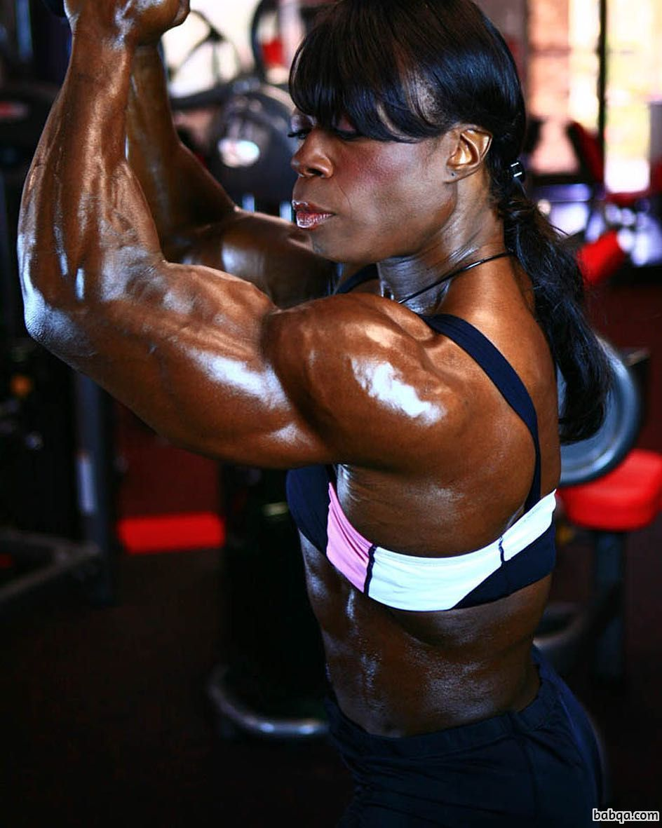 beautiful female with muscular body and muscle bottom post from reddit