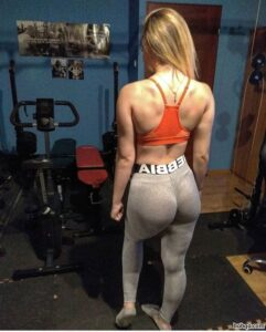 awesome girl with muscle body and toned ass repost from insta