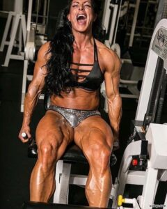 hot female bodybuilder with strong body and toned bottom pic from facebook
