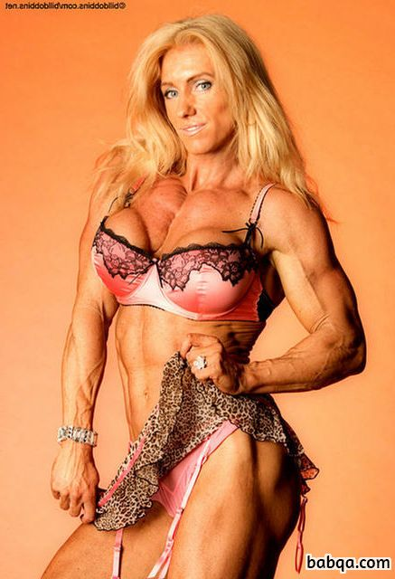 perfect lady with strong body and toned biceps repost from g+