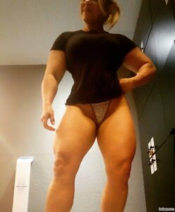 awesome girl with muscular body and toned ass pic from instagram