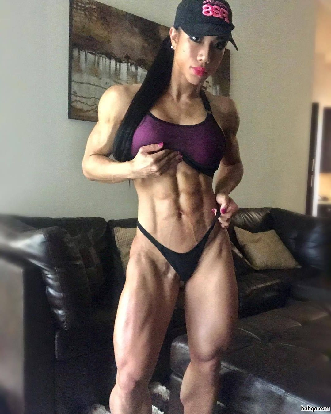 awesome woman with muscle body and muscle legs post from insta