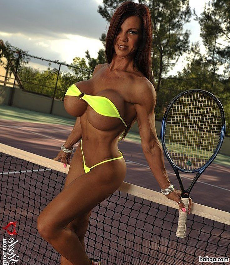 hottest babe with strong body and toned arms pic from reddit