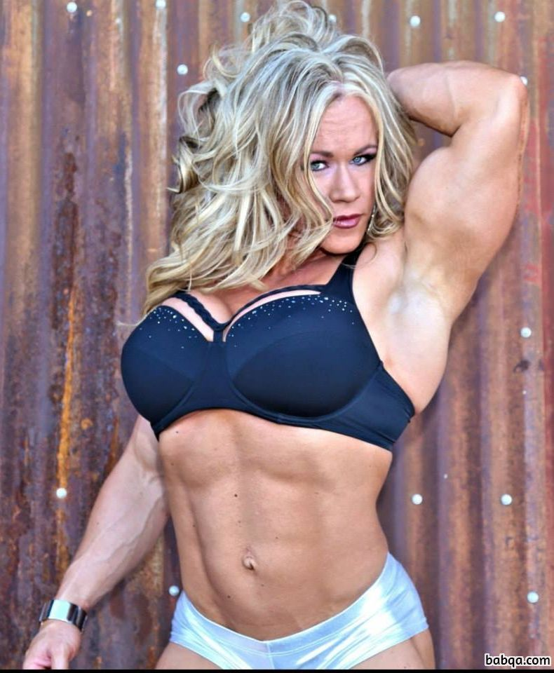 awesome woman with strong body and muscle legs post from flickr
