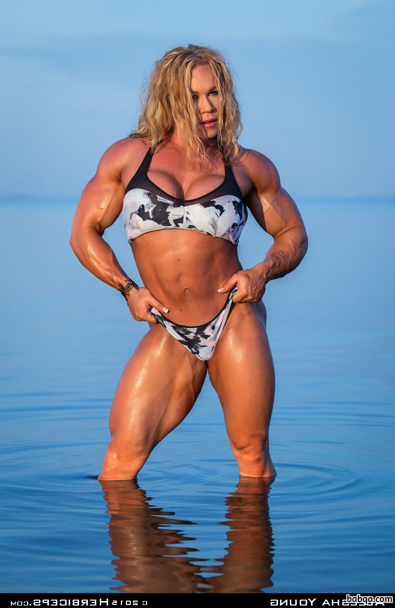 beautiful woman with muscle body and toned legs post from g+