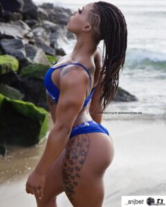 beautiful lady with strong body and muscle ass post from reddit