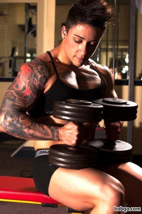 beautiful female bodybuilder with muscular body and toned arms picture from g+