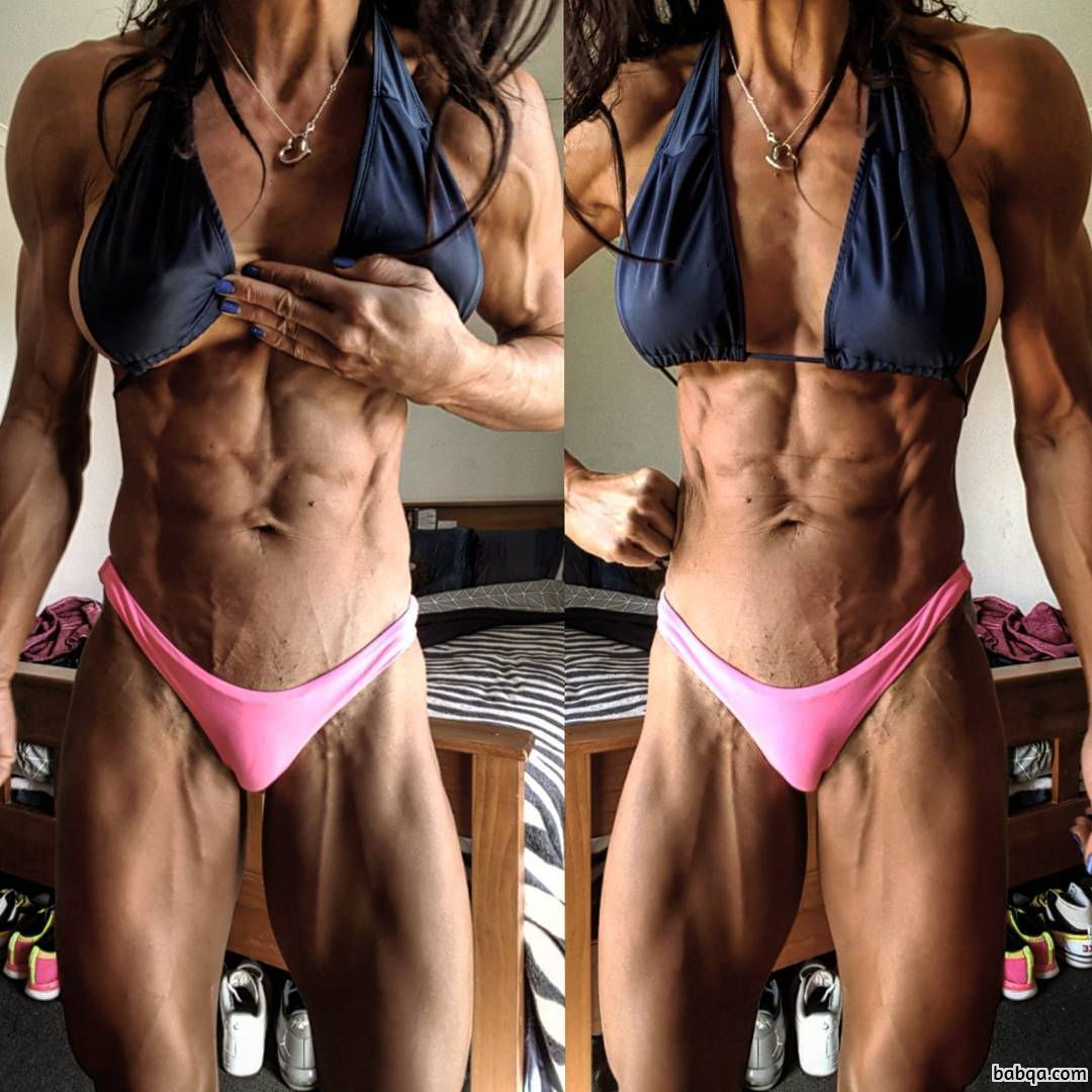 awesome female bodybuilder with strong body and toned legs image from tumblr