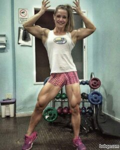 hottest chick with fitness body and toned legs post from reddit