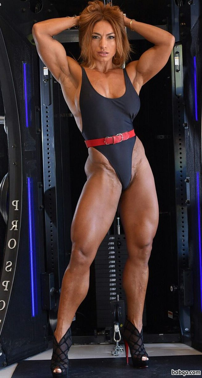 hot female bodybuilder with fitness body and muscle legs picture from g+