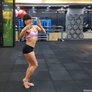awesome lady with fitness body and toned legs picture from reddit