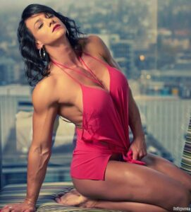 spicy female bodybuilder with strong body and toned arms image from g+