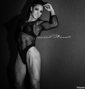 perfect girl with muscle body and muscle bottom repost from tumblr