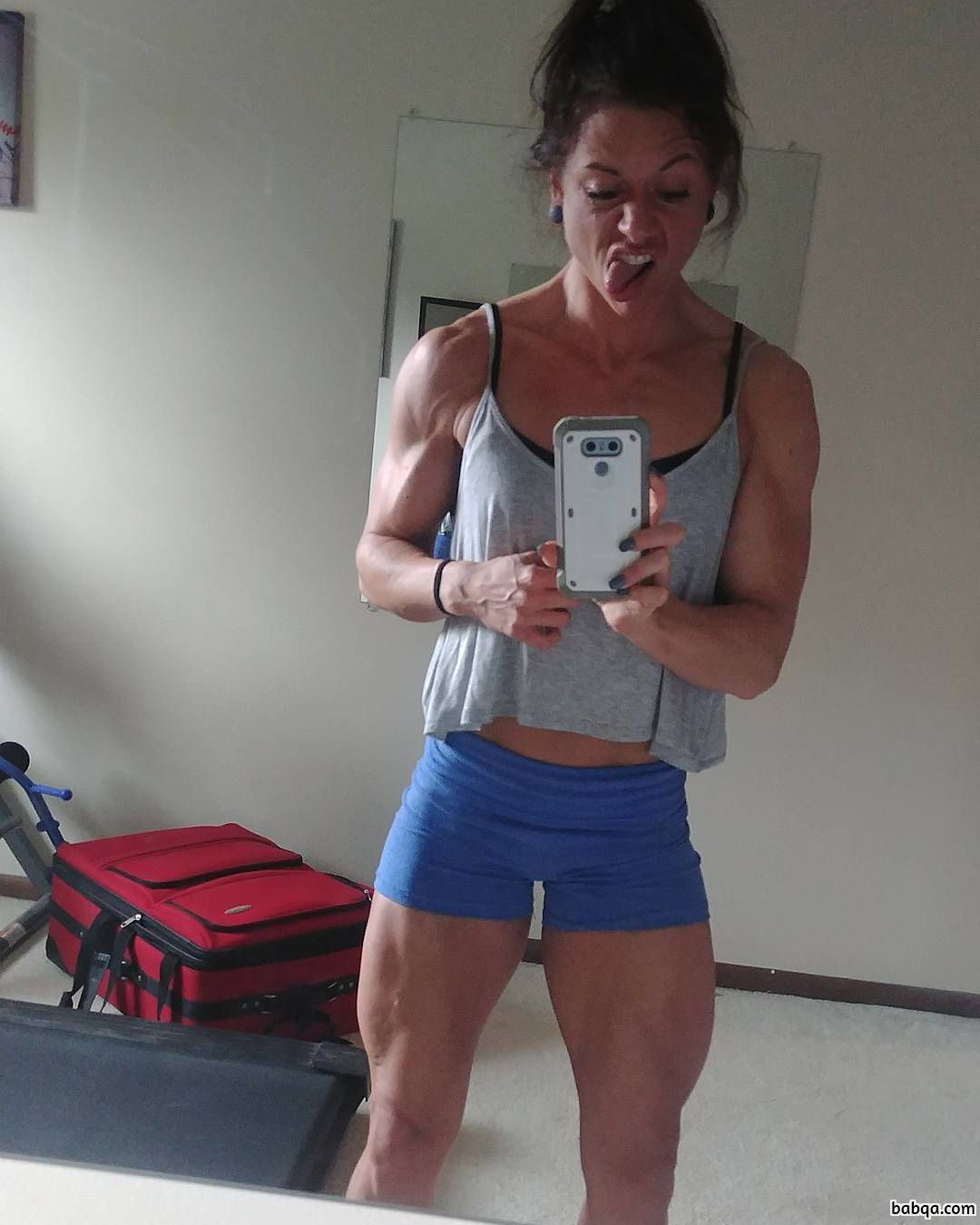 sexy woman with muscle body and toned arms post from reddit