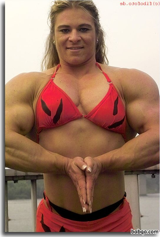 awesome chick with muscular body and toned bottom repost from reddit