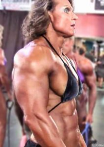 hottest lady with fitness body and muscle bottom pic from linkedin