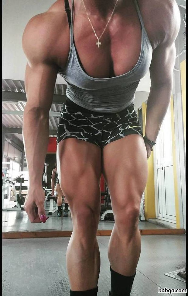 hot babe with muscle body and toned arms post from reddit