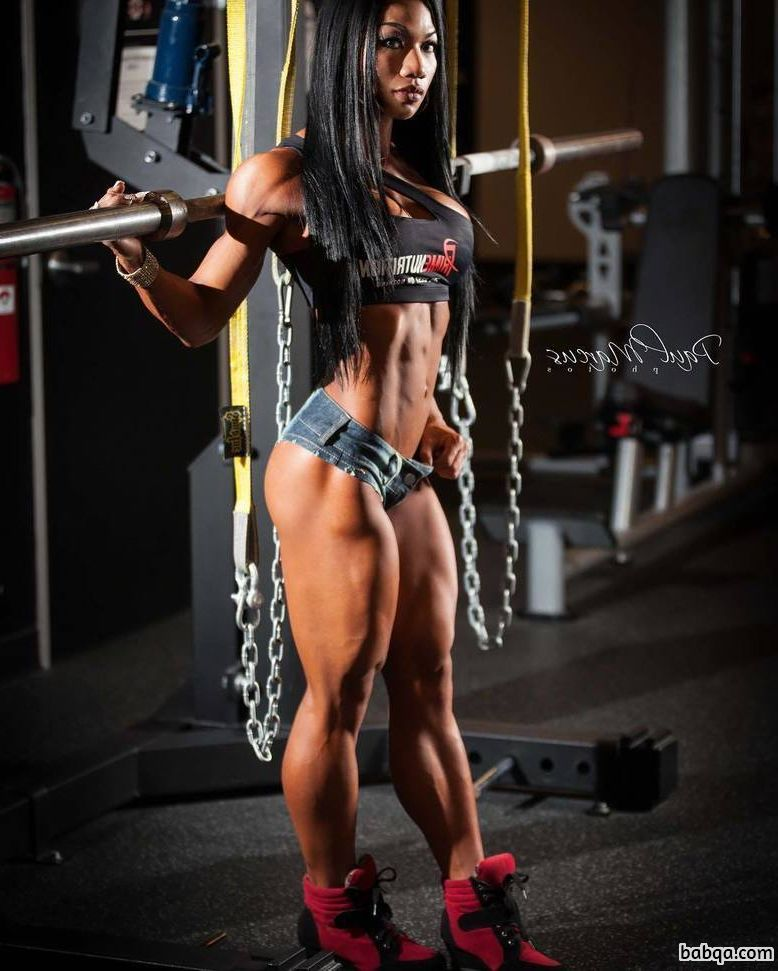 beautiful lady with muscle body and muscle legs pic from reddit