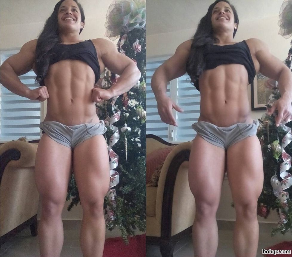 hot female bodybuilder with strong body and toned biceps post from flickr