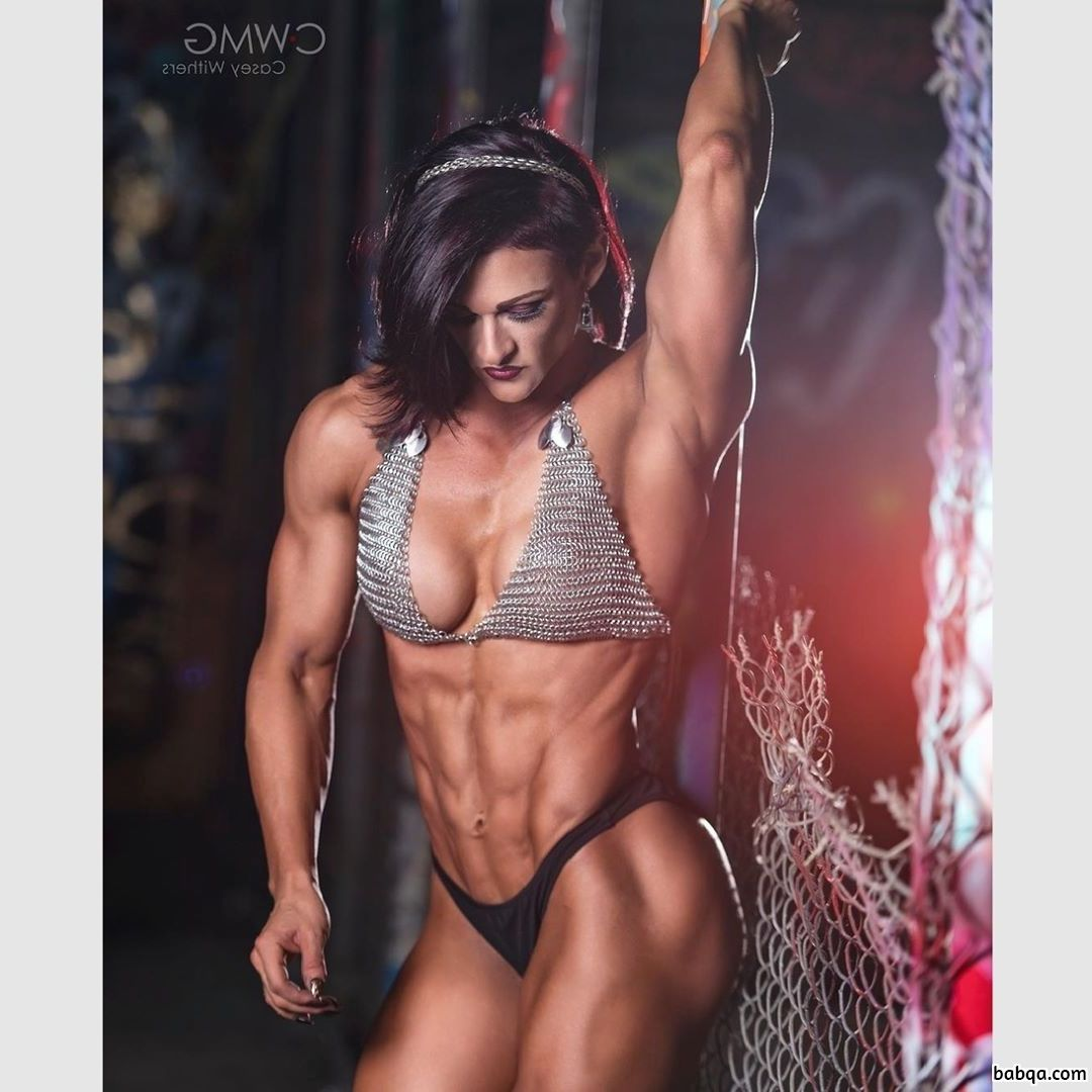 awesome woman with muscular body and muscle ass post from g+