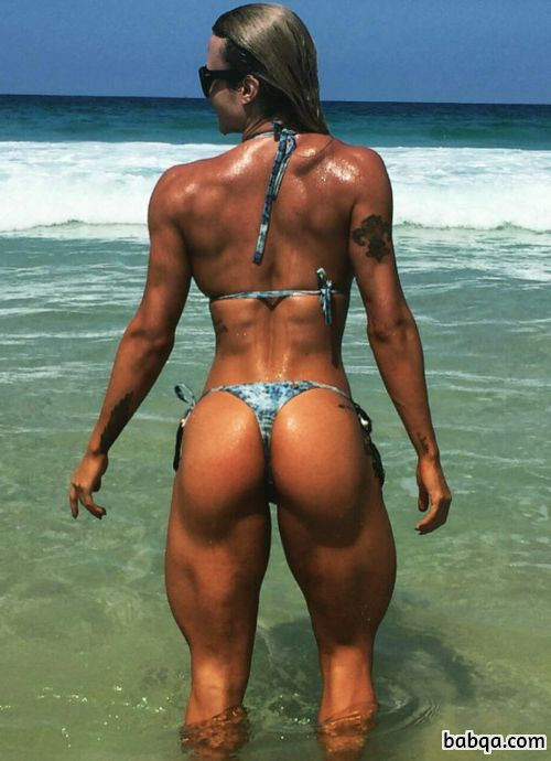 hottest female bodybuilder with fitness body and muscle biceps image from insta