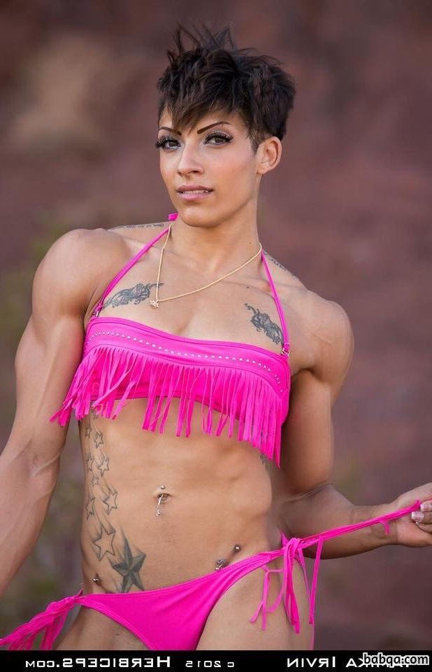 perfect female bodybuilder with muscle body and muscle bottom picture from reddit