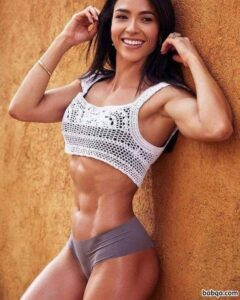 perfect babe with muscle body and toned legs photo from g+