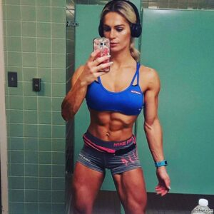 spicy female bodybuilder with strong body and muscle arms pic from g+