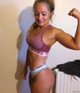 spicy female bodybuilder with fitness body and toned booty image from g+