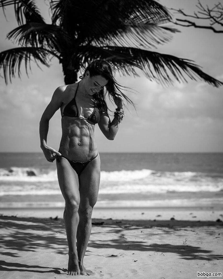 awesome lady with muscular body and muscle booty photo from instagram
