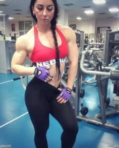 awesome woman with strong body and muscle legs pic from reddit