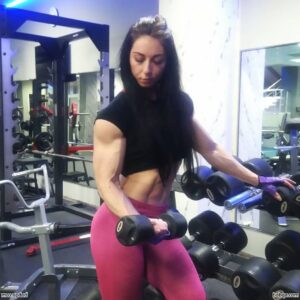 hot female bodybuilder with strong body and muscle bottom picture from insta